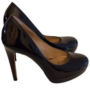 Vince Camuto Patent Leather Round Toe Heel Size 7 Black with Burgundy Hues